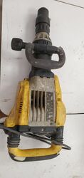 2ND HAND DEWALT Demolition Hammer  1500W from Al Muharik Alaswad W.shop Equip. Tr  Sharjah, UNITED ARAB EMIRATES